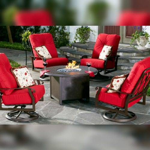 Woodard-Cortland-Cushion-with-Firepit